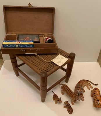 Small Stool Santa Game 5 Tiger Toys