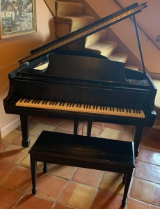 "Steinway & Sons Model M Baby Grand Piano 5'7"" - plays well, see video! (in description) - one owner!"