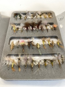 Clip On Box w/26 Flies