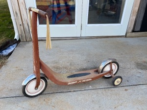 Radio Flyer Scooter, Red Retro