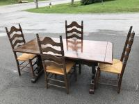 Ethan Allen Dinner Table & 4 Chairs